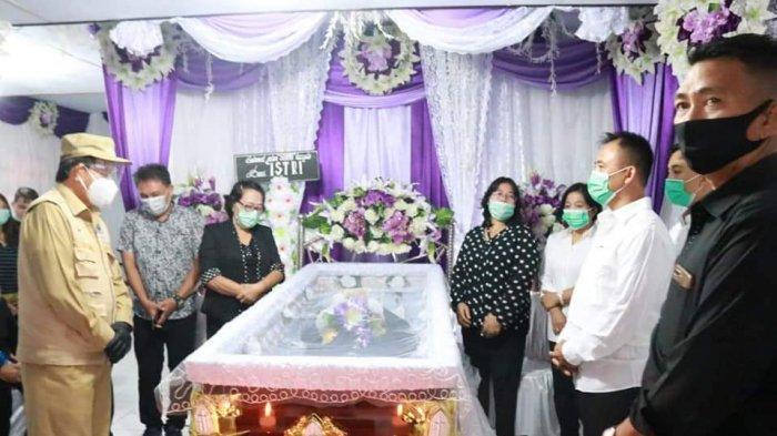 Wali Kota Manado Melayat ke Rumah Duka Mertua Hengky Kawalo