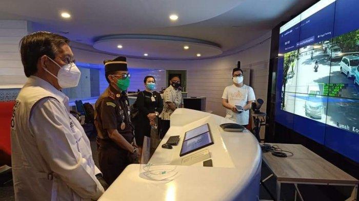 Wali Kota Manado Vicky Lumentut Terima Kunjungan Kajati Sulut di Ruangan C3