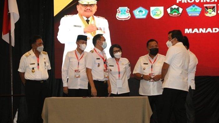 Wali Kota Tomohon Caroll Senduk saat menghadiri Musrembang RKPD Tahun 2022 Provinsi Sulawesi Utara