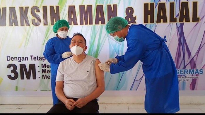 Wali Kota Tomohon dan Jajaran Pimpinan Daerah Disuntik Vaksin Sinovac Dosis Kedua