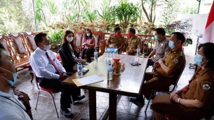 Wali Kota Tomohon Caroll Senduk dan Ketua TP-PKK menerima audiensi dari BRI