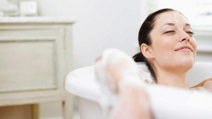 Benarkah Mandi Setelah Makan Bahaya Bagi Tubuh?