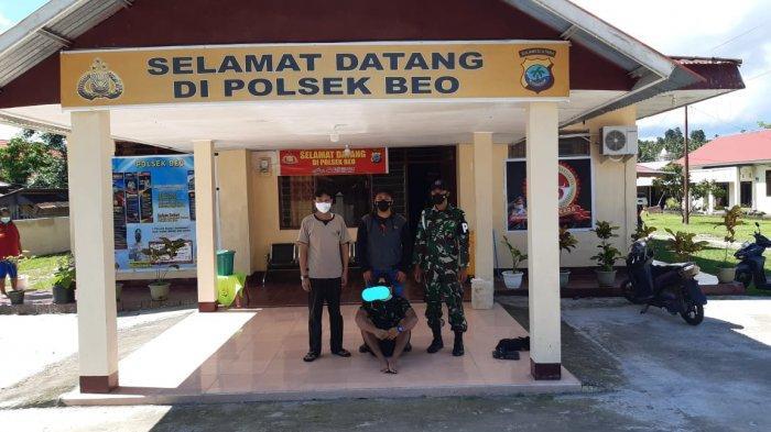 Warga Desa Bambung Kecamatan Gemeh, Talaud, Sulawesi Utara yang berstatus sebagai mahasiswa ini mengaku sebagai anggota TNI AD.