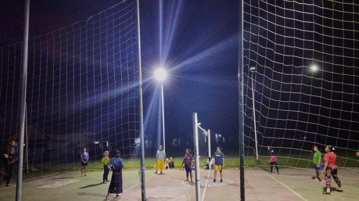 Jaga Imun Tubuh, Warga Tolondadu Kabupaten Bolsel Pilih Olahraga Bola Voli