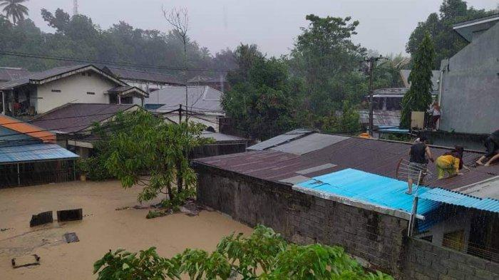Manado Banjir Lagi, <a href='https://manado.tribunnews.com/tag/warga-minta-pertolongan-di-media-sosial' title='WargaMintaPertolongandiMediaSosial'>WargaMintaPertolongandiMediaSosial</a>