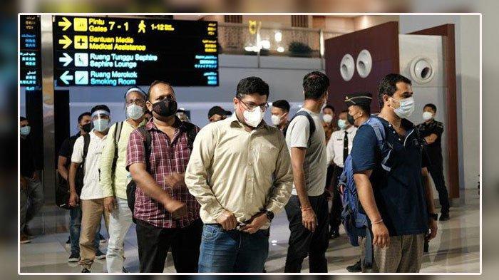 Kasus Covid-19 Membludak, WNI dari India Lolos di Bandara Soetta Tanpa Karantina, S dan RW Menyamar