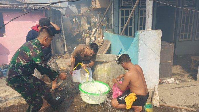 Kebakaran di Pasar Tua Bitung, Warga Padamkan Api Pakai Es Batu, Air Sumur hingga Mobil Damkar
