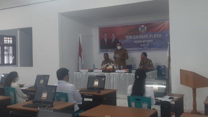 Pantau Pelaksanaan SKD, Wawali Tomohon Wenny Lumentut Ingatkan Peserta CPNS Agar Percaya Diri