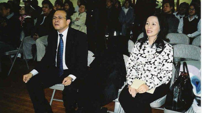 Welyar Kauntu dan Istri