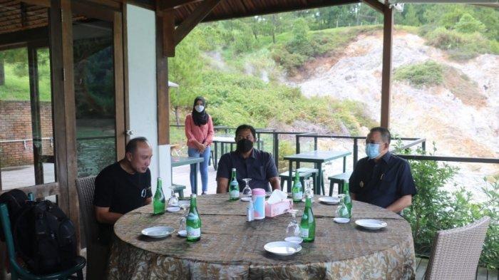 Wenny Lumentut bersama Irwasum Mabes Polri Komjen Pol Drs. Agung Budi Maryoto, M.Si dan Kapolda Sulawesi Utara Irjen Pol Drs. Nana Sudjana AS, M.