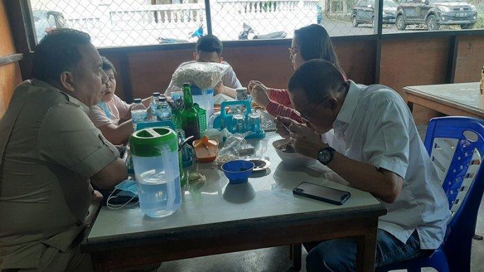 Wenny Lumentut bersama Keluarga usai pencoblosan 9 Desember lalu makan Midal