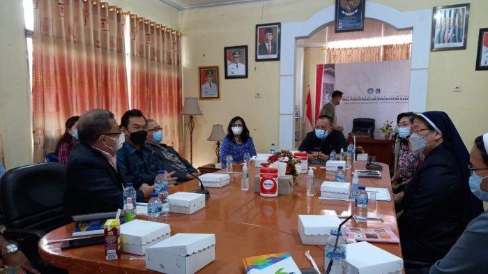 Terkait Siswa yang Nongkrong di Jam Sekolah, Wenny Lumentut Peringatkan Dikbud Tomohon