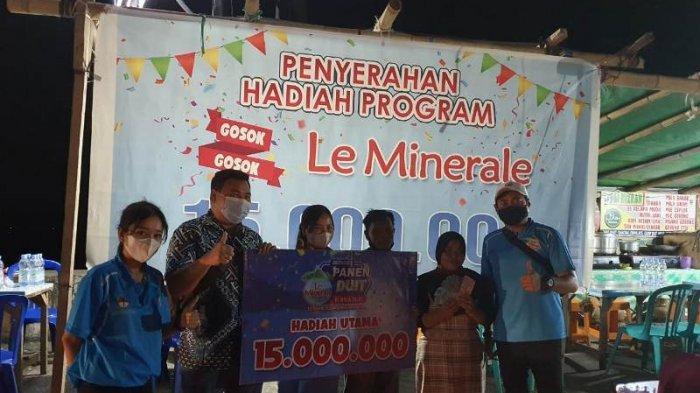 Wina, Pedagang Makanan di Boulevard 2 Manado Dapat Rp 15 Juta dari Program Berhadiah Le Minerale