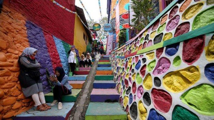 Fenomena Mural dan Warna di Kampung dan Wilayah Kota untuk Undang Wisatawan