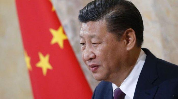 Pemerintahan Komunis Turunkan Paksa Salib Gereja di China