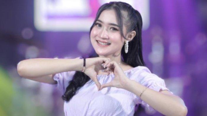 SOSOK Yeni Inka, Pedangdut Berusia 20 Tahun, Dijuluki Ratu Ambyar Indonesia
