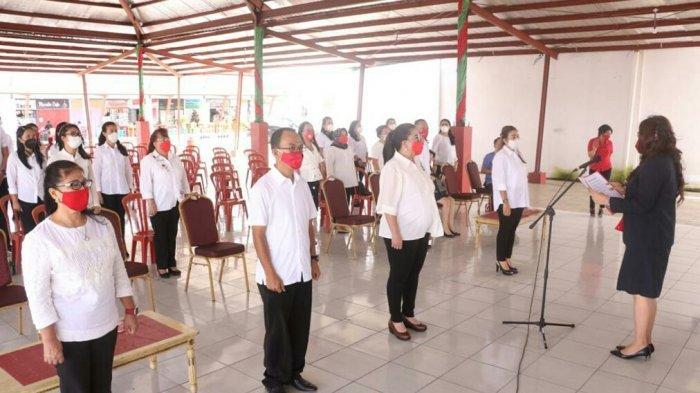 Kartika Devi Kandouw-Tanos Lantik Pengurus Yayasan Jantung Indonesia Cabang Minahasa