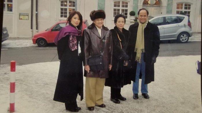Potret kebersamaan Yulisa Baramuli bersama BJ Habibie dan Ainun dan Ilham Habibie