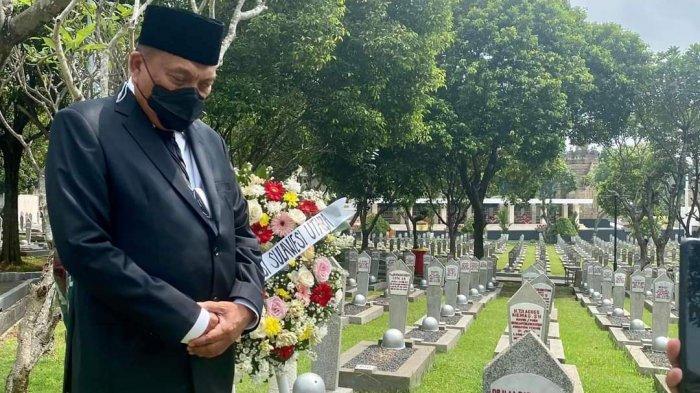 Gubernur Sulut Olly Dondokambey Ziarah ke Makam Mantan Gubernur/Wagub di TMP Kalibata