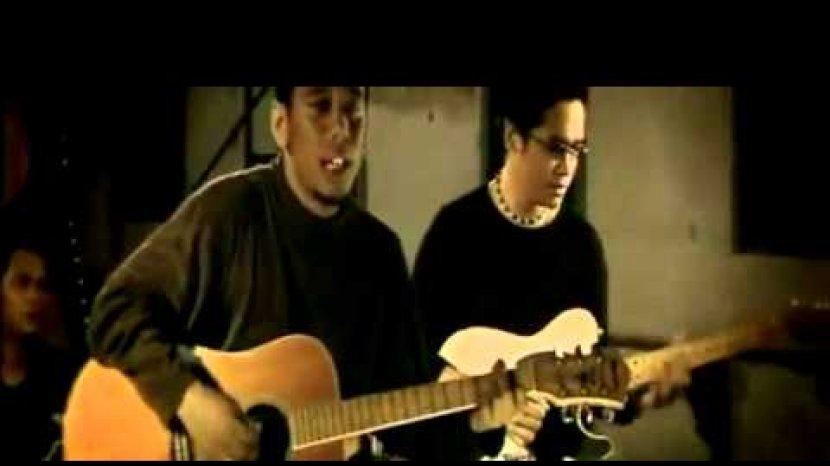 Chord Dan Lirik Lagu Untuk Dikenang Jikustik Kunci Gitar Dasar C Ingat Aku Saat Kau Lewati Tribun Manado