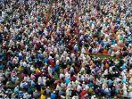 30000-orang-hadiri-doa-massal-bangladesh-picu-peringatan-terkait-virus-corona-213.jpg