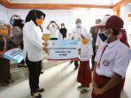 3804-siswa-di-kotamobagu-dapat-bantuan-anak-asuh.jpg