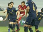 aksi-egy-maulana-vikri-saat-timnas-indonesia-melawan-thailand-di-kualifikasi-piala-dunia-2022.jpg