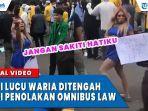 aksi-lucu-waria-menghibur-mahasiswa-saat-demo-tolak-uu-omnibus-law.jpg