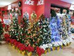 aneka-pohon-natal-lengkap-dengan-aksesoris-dan-ornamen-ornamen-natal-hadir-di-ace-manado-545.jpg
