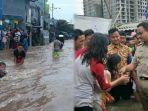 anies-baswedan-sebut-anak-anak-senang-mandi-di-luapan-banjir-di-jakarta.jpg