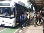 anies-baswedan-targetkan-100-unit-bus-listrik-transjakarta-beroperasi-tahun-ini.jpg