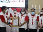 annie-dondokambey-jabat-ketua-giat-donor-darah-palang-merah-indonesia-pmi-sulawesi-utara-sulut.jpg