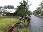 antisipasi-musim-penghujan-babinsa-bersama-warga-desa-wangga-baru-gelar-karya-bakti-687.jpg