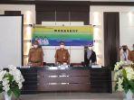 asisten-bidang-pemerintahan-dan-kesra-rachmat-pontoh-sh-msi-membuka-workshopjhgj.jpg