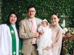 baptisan-anak-david-herbowo-dan-shandy-aulia-dibabtis-oleh-pdt-fransis-najoan-tiwa-mth.jpg