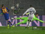 barcelona-oscar-mingueza-mencetak-gol-melawan-real-madrid-thibaut-courtois.jpg