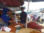 barito-di-pasar-karombasan-manado-sulawesi-utara-minggu-592021-fhgdf.jpg