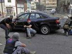 bentrok-berujung-aksi-baku-tembak-di-lebanon-tewaskan-6-orang-pendemo-ditembak-kelompok-bersenjata.jpg