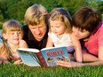 cara-mengajarkan-anak-firman-tuhan-687568.jpg