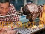 cek-fakta-foto-presiden-jokowi-makan-sate-babi.jpg