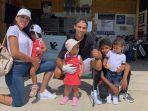 christiano-ronaldo-dan-keluarganya-fgf121.jpg