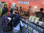 coto-makassar-daeng-andik-di-festival-ramadan-2018-phbi-sulut_20180601_110333.jpg