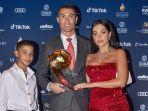 cristiano-ronaldo-jadi-pemain-terbaik-abad-ke-21-globe-soccer-awards.jpg