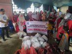 dharma-wanita-bolsel-bantu-bantu-korban-banjir-di-kecamatan-tomini-111.jpg