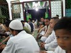 di-masjid-syuhada-kelurahan-kotobangon-kecamatan-kotamobagu-timur-jemaah-salat-tarawih-membludak.jpg