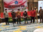 dprd-sulut-mengumpulkan-pimpinan-dprd-15-kabupatenkota-di-hotel-luwansa-manado0.jpg