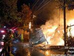 dua-orang-ditemukan-tewas-dalam-kebakaran-jumat-18122020-di-pasar-minggu-jakarta-selatan.jpg