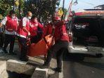 evakuasi-jenazah-mila-nadifah-dalam-kecelakaan-di-di-jalan-mt-haryono.jpg