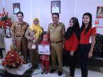 family-colouring-competition-1444964146.jpg