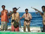 film-captain-phillips-yang-menggambar-aksi-perompak-somalia-dfdgg.jpg